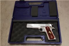 CRW custom Nova S70 custom with Colt USA case